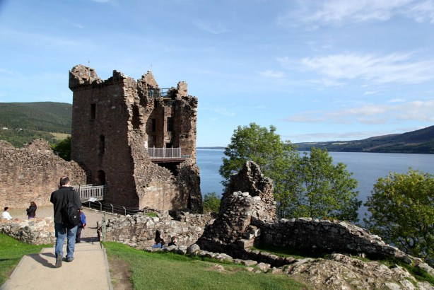 Urquardt Castle und Loch Ness