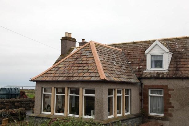 Von Hand gemeißelte Dachschindeln