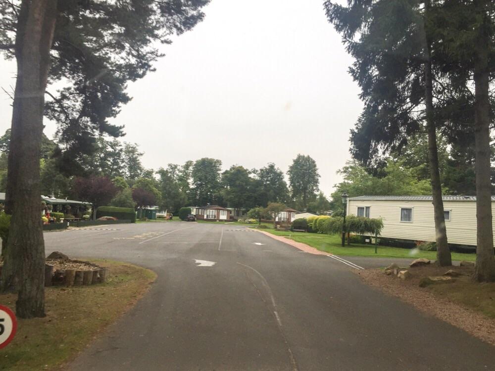 Einfahrt zum Campingplatz in St. Andrews