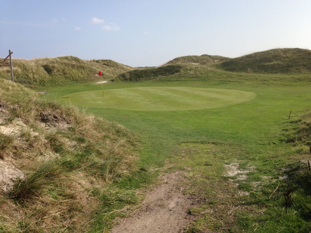Blindes Grün mit Ampelsignal: Golf in Dänemark Fanö Golf Links