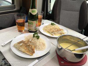 Abendessen im Wohnmobil