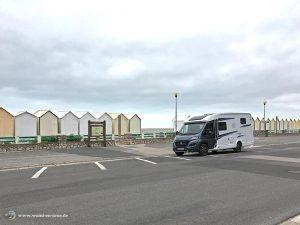 Womi am Parkplatz am Strand in Cayeux