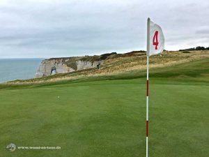 Golf Etretat Loch 4 Klippen