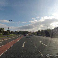 Verwirrt über die Anordnung der Spuren? Mit etwas Übung gelingt Links Fahren in Schottland mühelos.