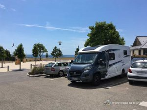 Parkplatz in Larmor Plages in Strandnähe