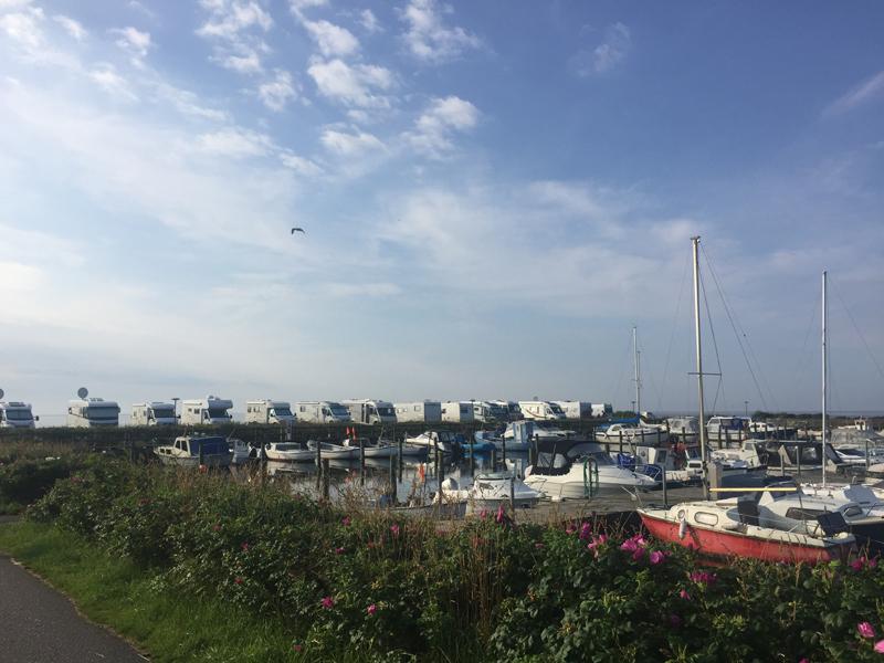 Der Wohnmobistellplatz am Yachthafen
