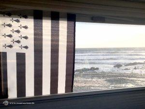 Bretagne Fahne am Wohnmobil Fenster